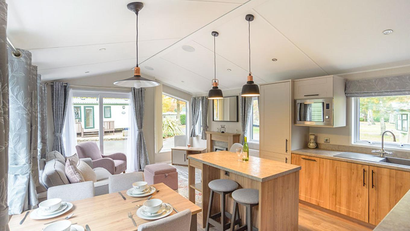 Willerby Waverley Lodge holiday home at Pearl Lake - main image